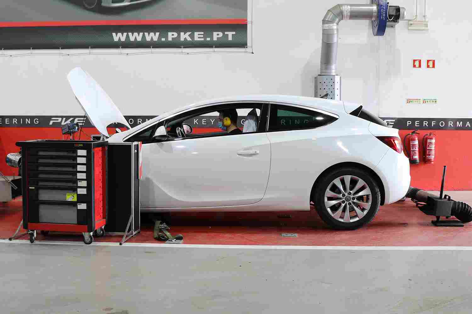 PKE SuperSPORT - Opel Astra 1.4T